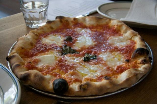 pizza margerita, Pizzeria Delfina