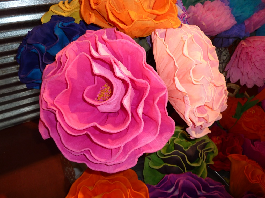 How to make mexican flowers from crepe paper mexican crepe paper fat tuesday a guest post piecedgoods mightylinksfo