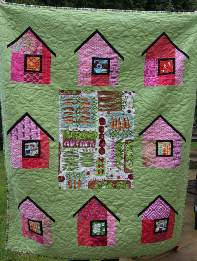 piecedgoods Village Full Quilt